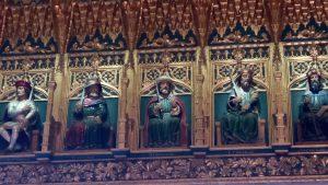 esculturas en la pared del Alcázar